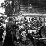 Italians give food to Serbian refugees from the Ustasha
