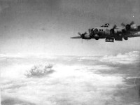 Belgrade, 17 April 1944: Flying Fortress throws bombs.
