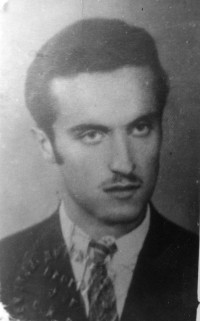 Tihomir Yakshic, Belgrade (a radiotelegraphic operator) was arrested by the radio station at his apartment attic- 94 Kralj Aleksandar Street. On 19th April 1943 Yakshic was killed
